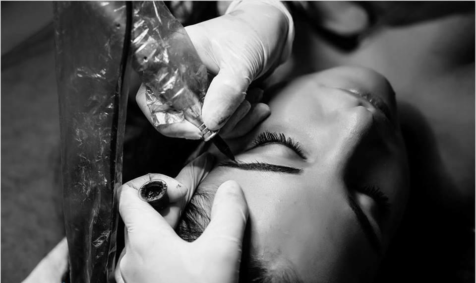 Jak długo utrzymuje się makijaż permanentny?